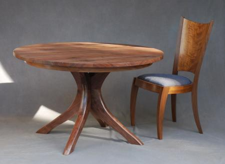 Angulos Dining Table