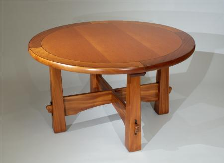 Round Pyramid Table