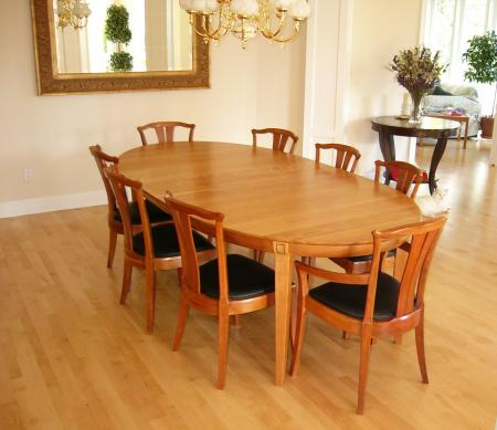 Grande Large Laurel Dining Set shown with Linnea chairs