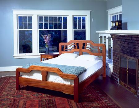 Wells Queen Bed
