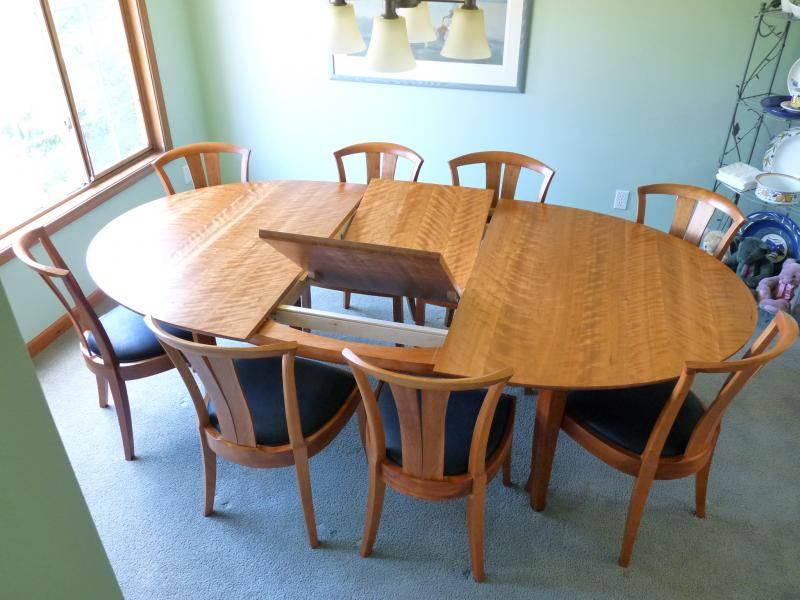 Laurel Medium Grande Table with Butterfly Leaf Set ( Neo chairs)