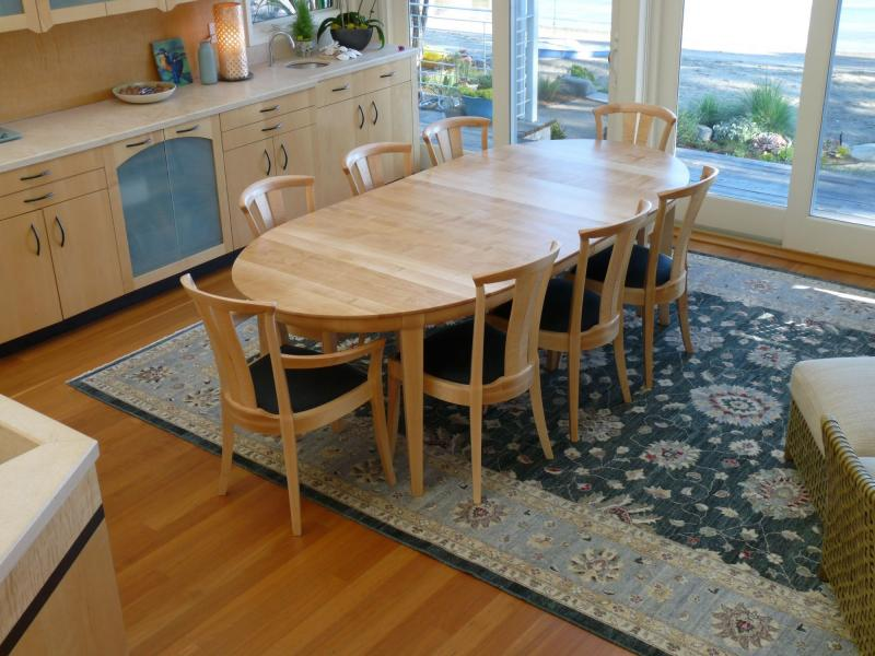 Maple Small Laurel Table With 2 Leaves And Neo Chairs (2 Arms,6 Sides