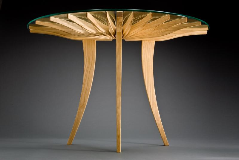 Oxeye hall table